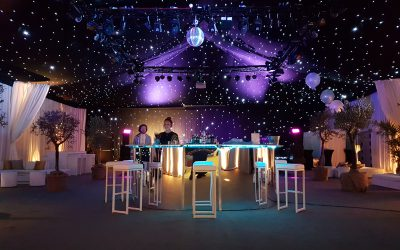 Our new bespoke round mirrored cocktail mobile bar is perfect for adding a bit of glamour to your special occasion, be it for a wedding reception, birthday party, corporate event, or to celebrate an anniversary. Here it is pictured at a 50th Birthday party at The Hangar, Kesgrave Hall.